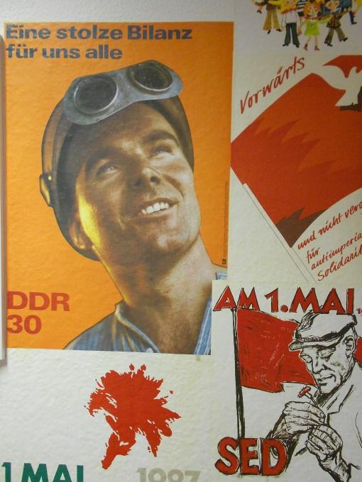 Propaganda_Poster_04