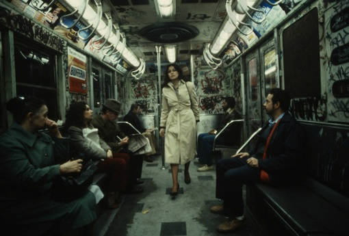 christopher-morris-photographs-the-gritty-NYC-subway-in-1981-designboom-02