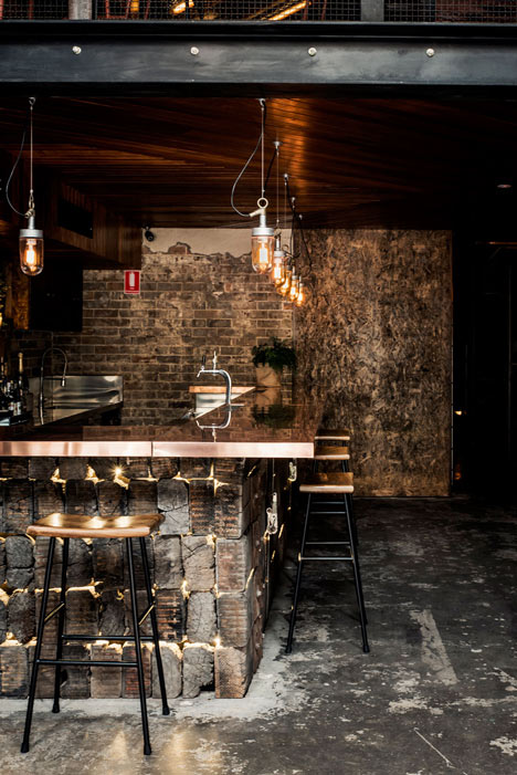 Donnys-Bar-in-Manly-by-Luchetti-Krelle_3
