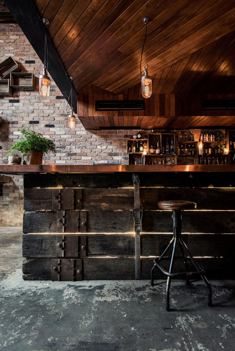 Donnys-Bar-in-Manly-by-Luchetti-Krelle_5