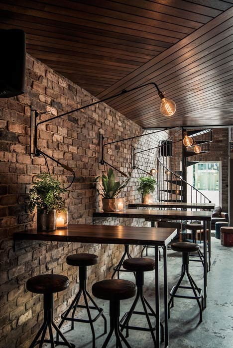 Donnys-Bar-in-Manly-by-Luchetti-Krelle_9