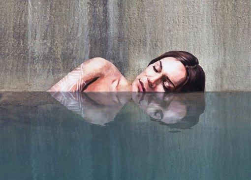 hula-paints-hyper-realistic-bathing-ladies-from-his-surfboard-designboom-01