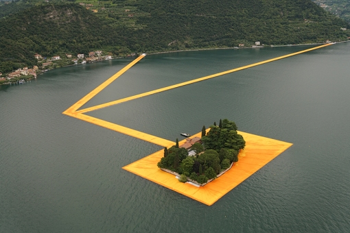 christo-and-jeanne-claude-floating-piers-lake-iseo-italy-designboom-01