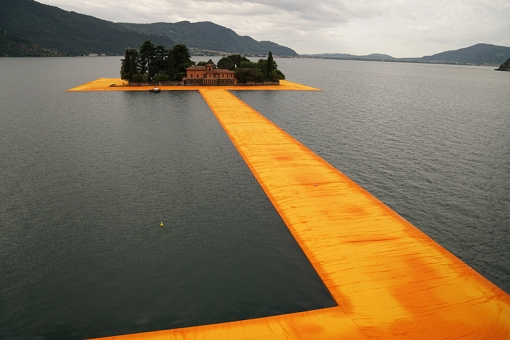 christo-and-jeanne-claude-floating-piers-lake-iseo-italy-designboom-07