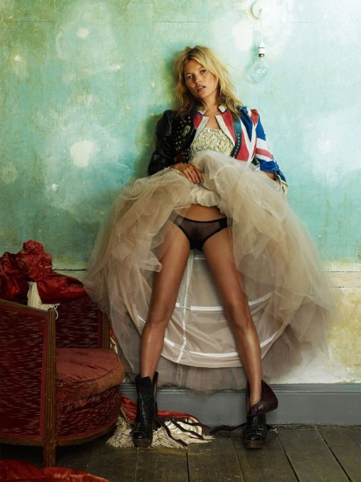 1-Kate-Moss-London-British-Vogue-2008-–-Photo-by-Mario-Testino