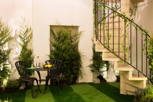 airbnb-pantone-outside-in-house-greenery-london-designboom-010