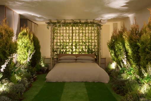 airbnb-pantone-outside-in-house-greenery-london-designboom-011