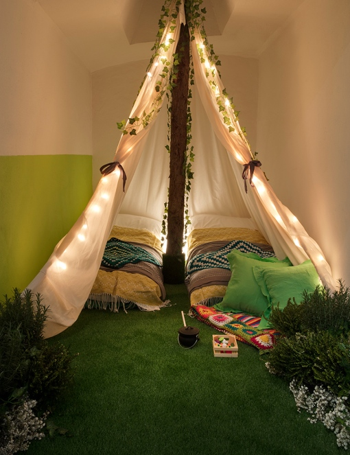 airbnb-pantone-outside-in-house-greenery-london-designboom-012