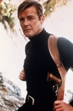 2520105C00000578-2929026-The_making_of_a_super_spy_Sir_Roger_strapped_on_the_iconic_secre-a-5_1422408834615